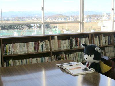 図書館にいるにしニャン